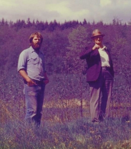 Roland Woolsey (right) shows George Anderson around the cattle ranch where he worked in the 1930s.